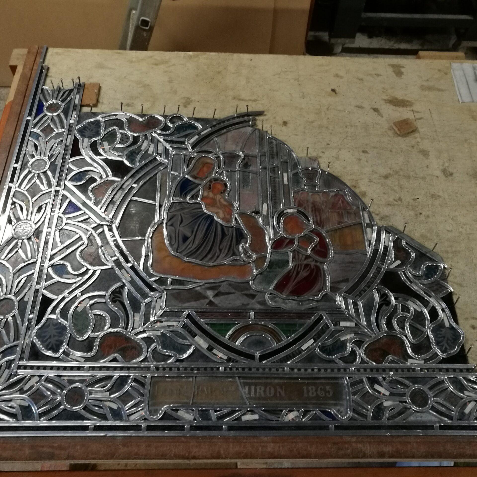 Atelier de vitrail Christian BEAUBREUIL vitrail en cours de réalisation